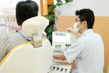 治療時間をしっかりとり、病状や治療の説明を行います